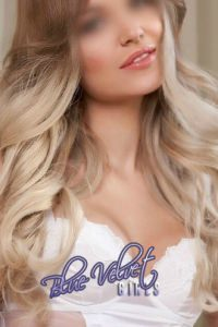 Blue Velvet Girls escort Eva